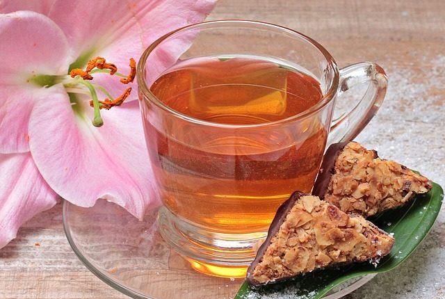 ceaiul-de-frunze-de-nuc